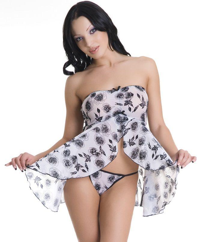 Струящаяся сорочка и трусики-стринг с цветочным принтом
