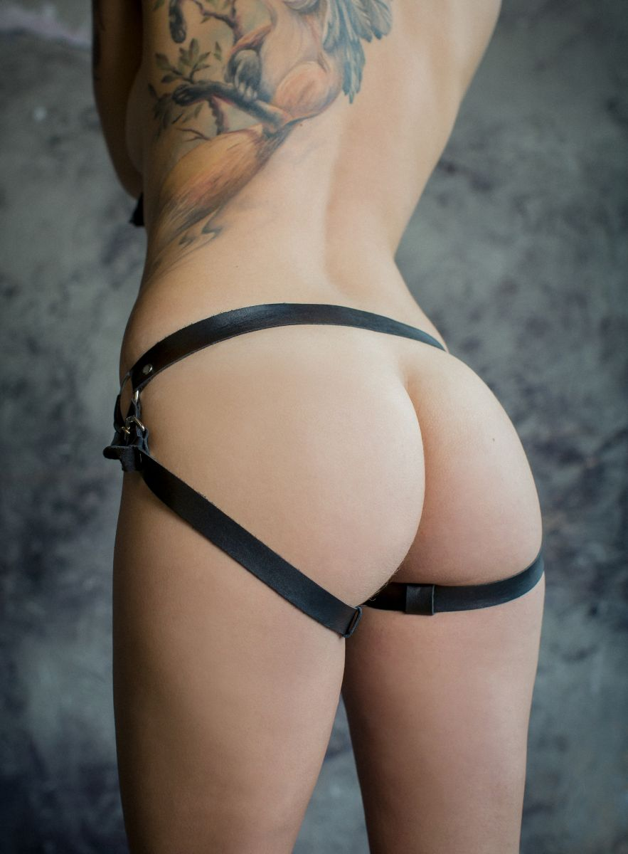 Черные трусики для страпона Harder