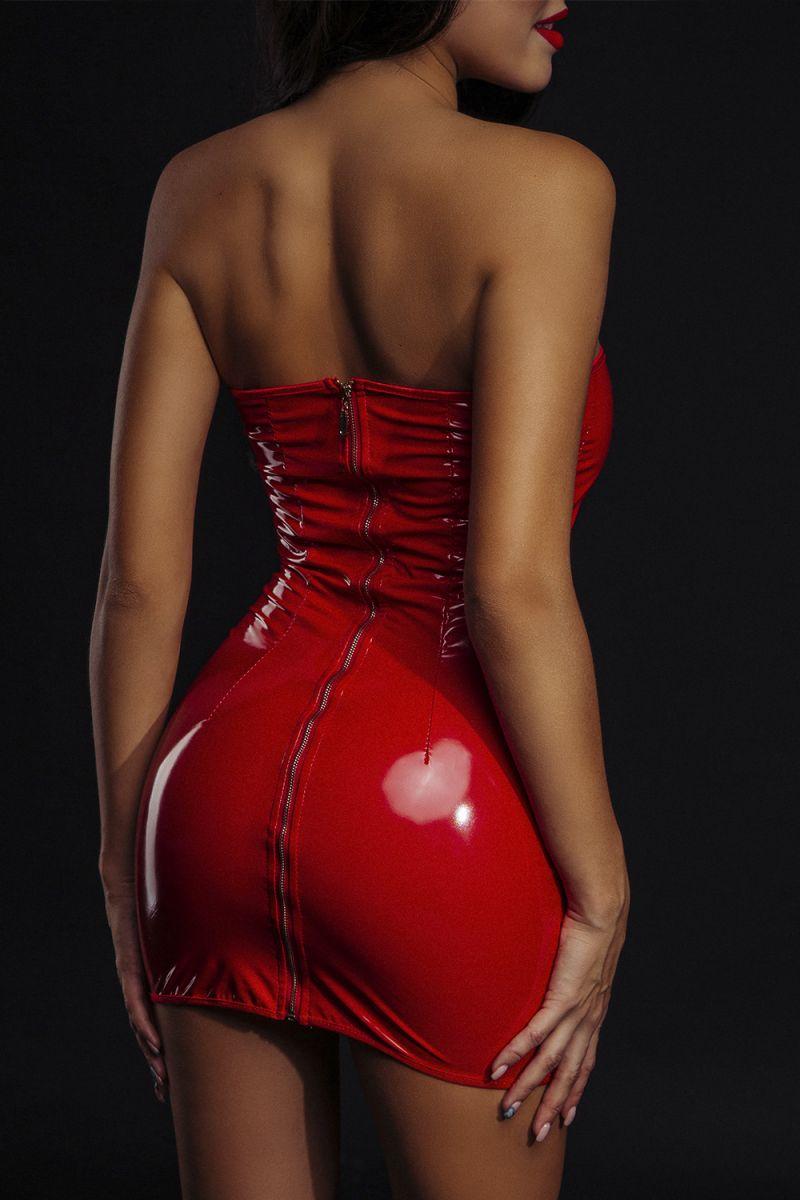 Сексуальное лакированное платье без бретелей