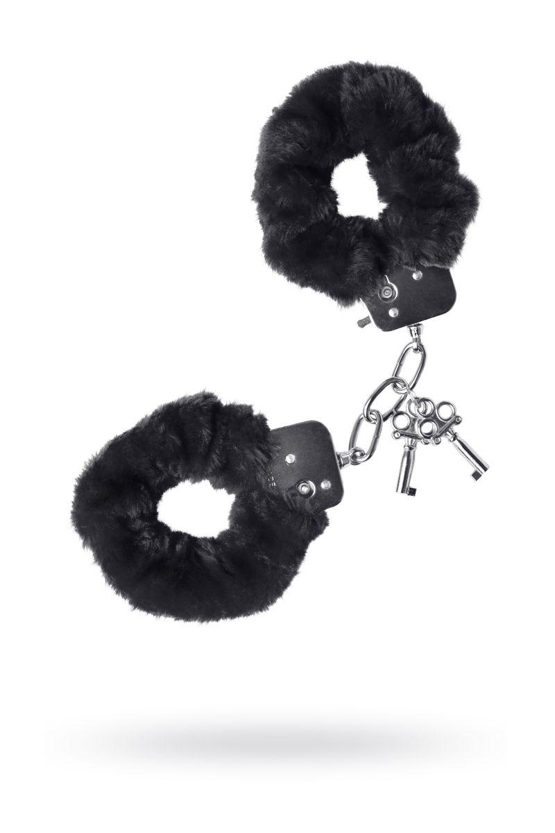 Черные меховые наручники с металлическим крепежом