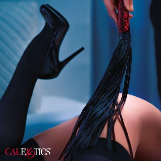 Черная многохвостая гладкая плеть Scandal Flogger Bulk - 69 см.