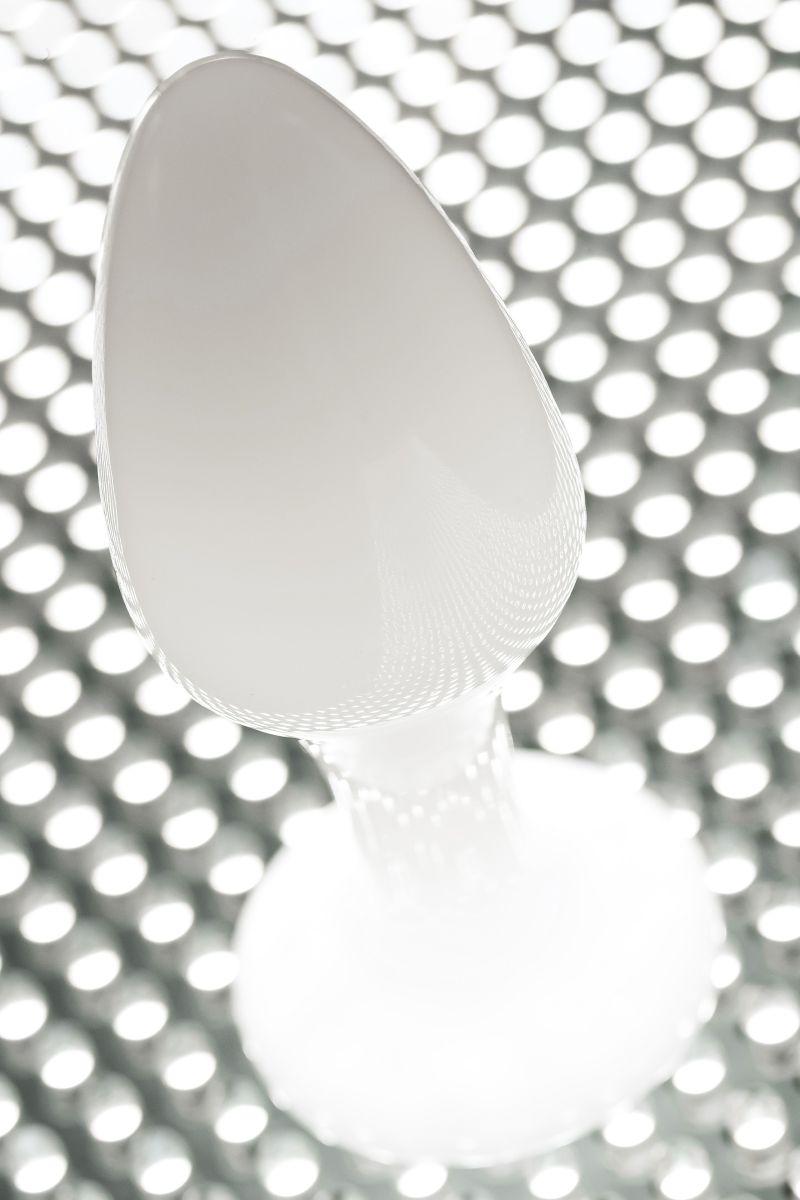 Белая акриловая анальная втулка - 9,5 см.