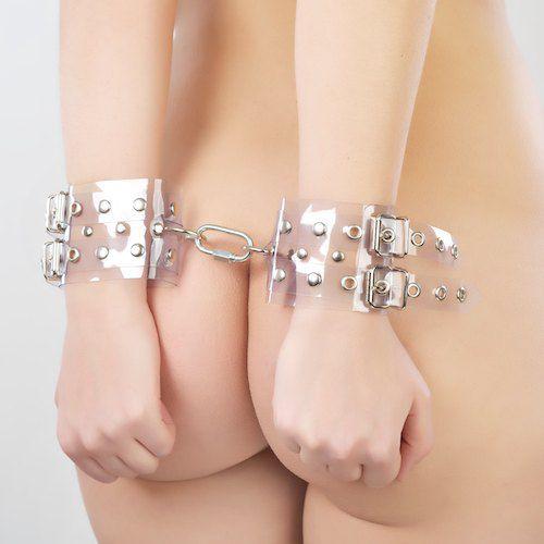 Прозрачные наручники с ремешками