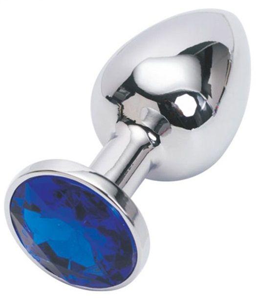 Серебряная металлическая анальная пробка с синим стразиком - 7,6 см.