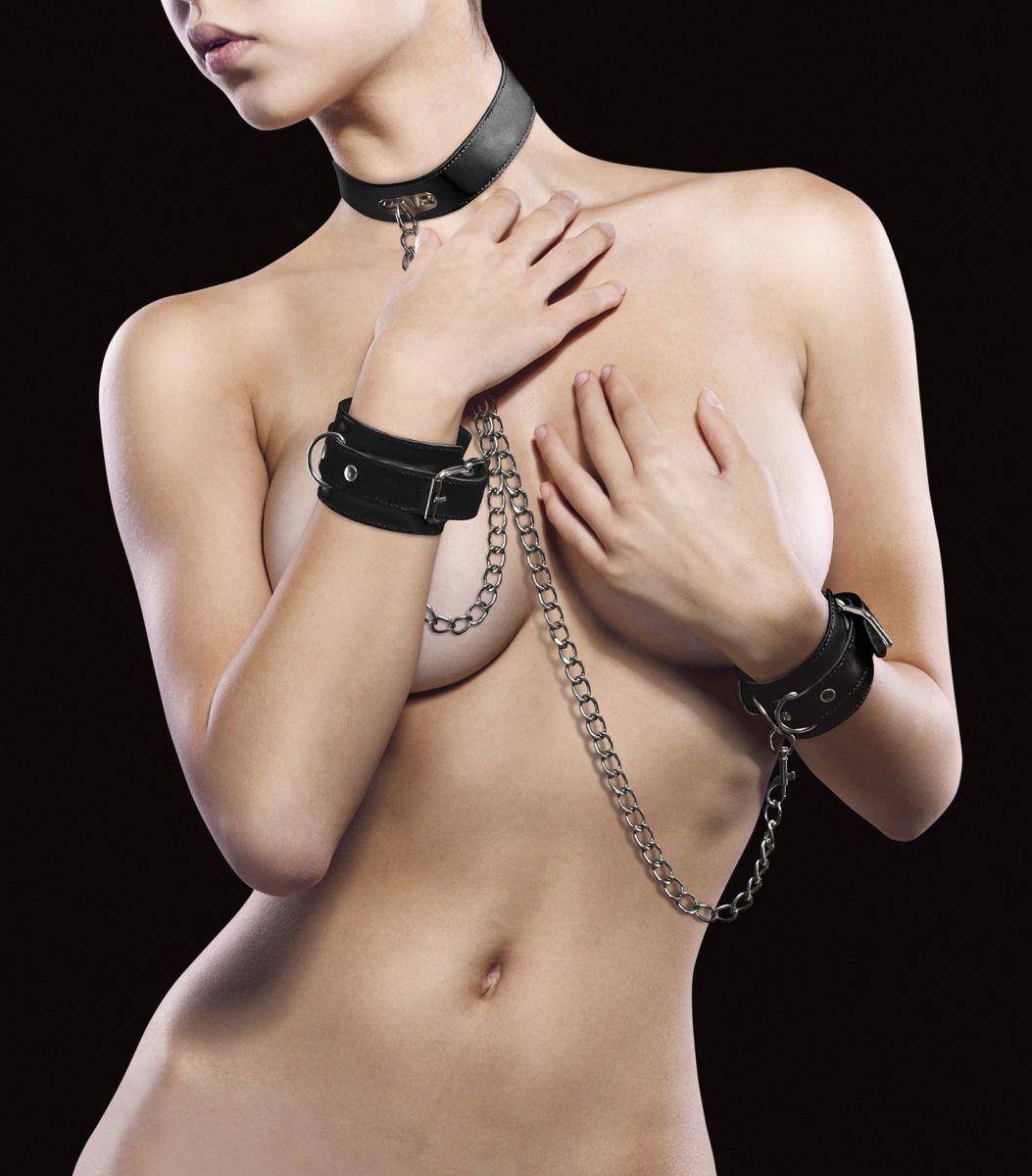 Чёрный комплект для бондажа Leather Collar and Handcuffs OU100BLK от Shots Media BV