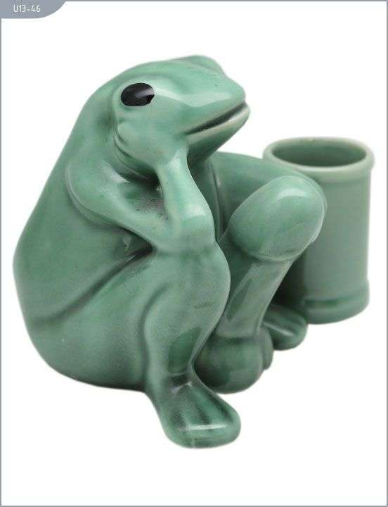 Сувенир -  Лягушка со стопкой