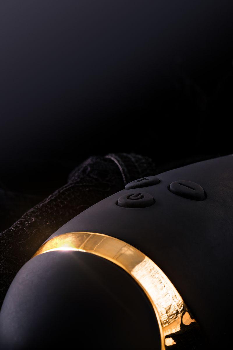 Чёрный вибратор WANAME Gulf с клиторальным отростком - 22,5 см.