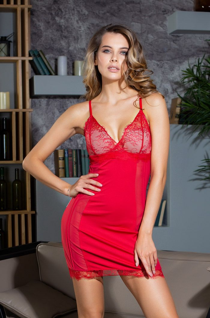 Сорочка Lady in red с кружевным лифом