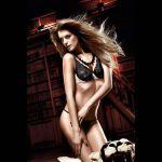 Бюстгальтер Beauty Inside The Beast светло-бежевый с черным кружевом и косточками