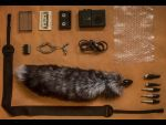 Большая анальная пробка черного цвета с лисьим хвостом окраса чернобурка #16579