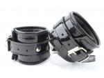 Кожаные лаковые наручники #105383