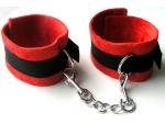 Красно-черные оковы с карабинами Notabu #108621