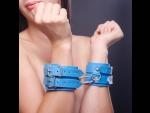 Голубые наручники на мягкой подкладке #25688