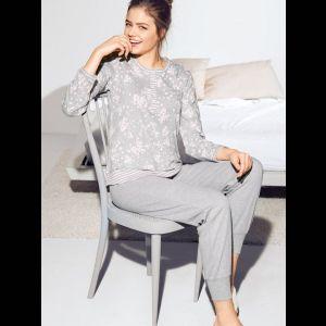 Уютная женская пижама с брючками на резинке