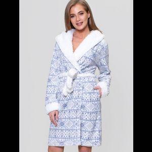 Оригинальный теплый халат с цветным принтом