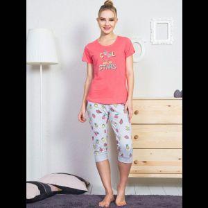 Женский комплект с серыми принтованными бриджами