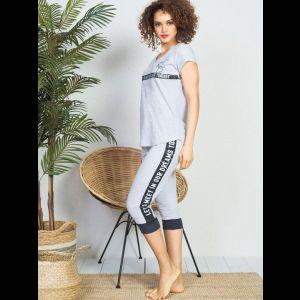 Женский домашний комплект с капри на манжетах