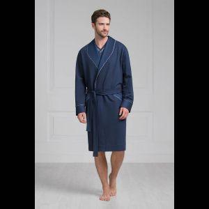 Классический мужской халат средней длины