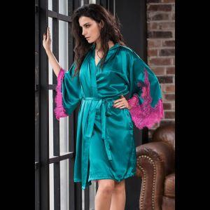 Шелковый халат Bella с кружевной оторочкой рукавов