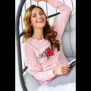 Пижама с розами на кофточке